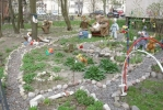 Фоторепортаж: «Сказочный дворик на Светлановском проспекте дети предпочитают обходить стороной»