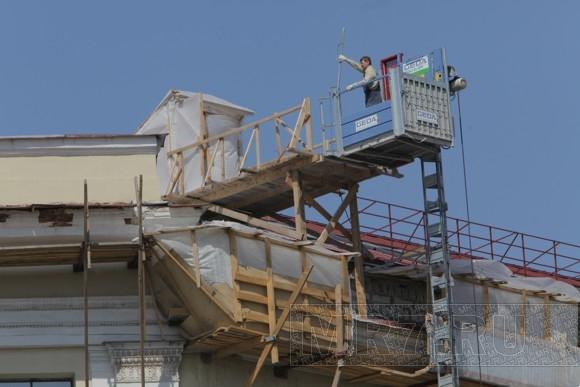 Мансарда дома на Мойке ужасает хранителей культурного наследия: Фото