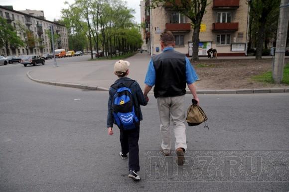 Почему одиноки отцы-одиночки: Фото