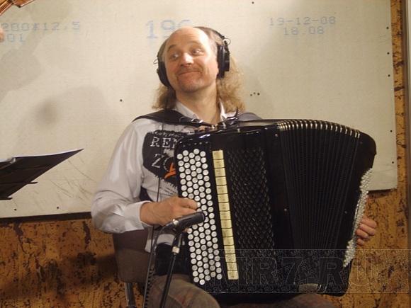 Терем-квартет записал музыку для показа Карла Лагерфельда: Фото