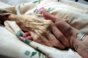 Маму-ветерана некому лечить
