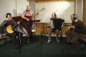 Терем-квартет записал музыку для показа Карла Лагерфельда