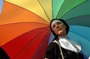 Участники «радужного» гей-парада прошли по Невскому проспекту