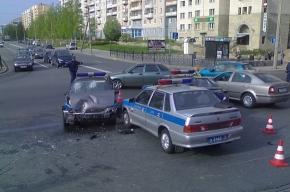 На углу Яхтенной и Савушкина попала в ДТП милицейская машина
