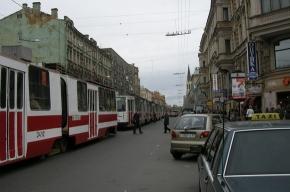 10 трамваев встали на Среднем проспекте. Огромная пробка, аварийная ситуация