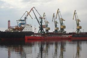 Российский профсоюз докеров переезжает в Петербург