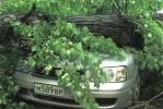 Ураган в Самаре, град - в Омске, снег - на Байкале: Фоторепортаж