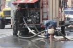 В Петербурге горел склад древесины: Фоторепортаж