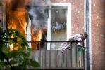 На улице Карпинского при пожаре пострадал мужчина: Фоторепортаж