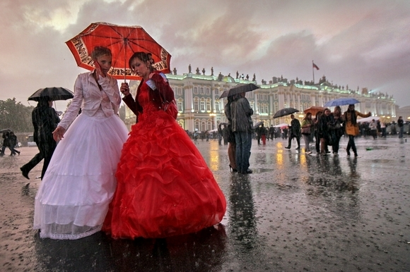30 тысяч выпускников увидели «Алые паруса»: Фото