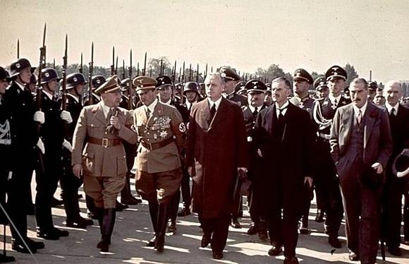 Hitler-2__580_no.jpg