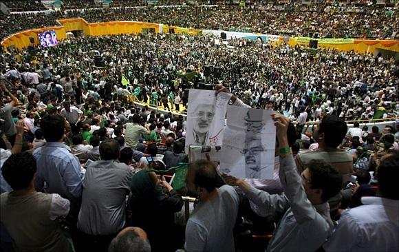 Иранцы показывают, как их убивают, через Интернет: Фото