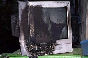На Бассейной улице неожиданно загоревшийся телевизор стал причиной пожара