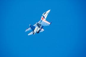 Истребители над Петербургом – в городе открывается военно-морской салон