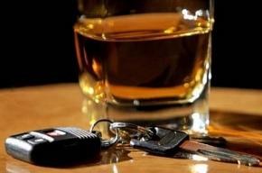 Прячась от сотрудников ГИБДД, пьяный водитель протаранил три иномарки