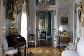 В Павловский дворец вернулись шторы