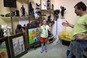 У семилетней художницы Саши – выставка на Фонтанке