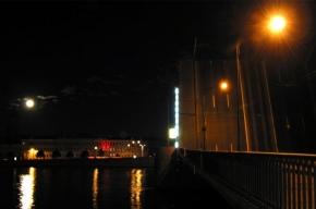 В праздничную ночь Тучков мост подвел сотни людей