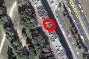 У дома на проспекте Большевиков обрушилась стена