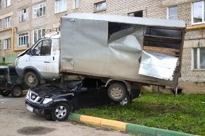 Торнадо разрушил подмосковный Краснозаводск
