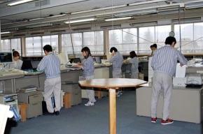Сотрудникам компании Canon запретили работать сидя