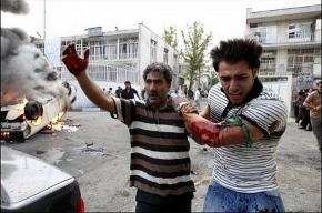 Иранцы показывают, как их убивают, через Интернет