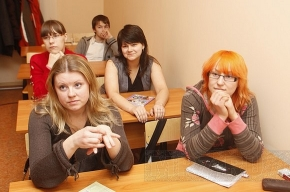 Результаты ЕГЭ в Петербурге: цифры и факты