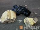 Кусок фасада на Новгородской улице упал на автомобиль: Фоторепортаж