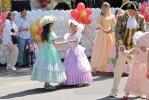 На Дне Петергофа было красиво и весело: Фоторепортаж