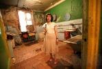 Фоторепортаж: «Незрячая девушка борется с чиновниками за шесть «лишних» метров»