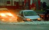 Потоп в Москве вызвал транспортный коллапс: Фоторепортаж