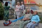 По петербургским дворам ходят «Добрые соседи»: Фоторепортаж