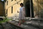 Незрячая девушка борется с чиновниками за шесть «лишних» метров: Фоторепортаж