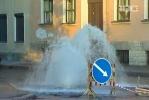 Фоторепортаж: «Ночью на Мойке вновь бил фонтан - на этот раз «так было надо»»