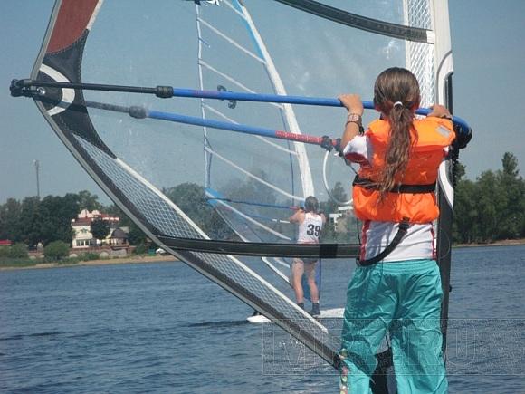 В Лахте в выходные соревновались виндсёрферы: Фото