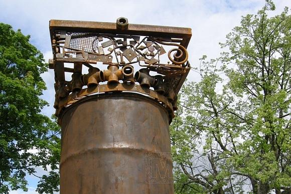 В Кронштадте почистили Летний сад и сделали из мусора Мусоргского: Фото