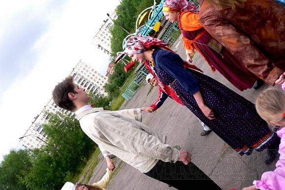 На Ивана Купалу в Колпино повеселились без купания: Фото