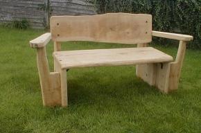 Экологи предлагают петербуржцам смастерить скамейки для Юнтолово