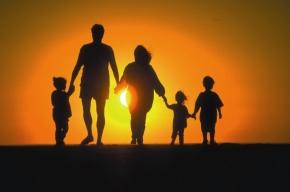 80% россиян уверены, что семья не мешает карьере