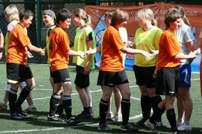Женская футбольная лига набирает обороты