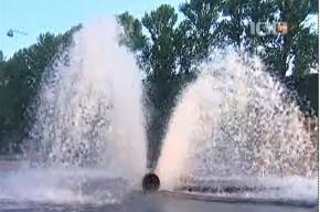 Ночью на Мойке вновь бил фонтан - на этот раз «так было надо»