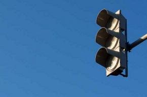 На перекрестке Рыбинской и Обводного движение могут затормозить светофоры