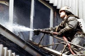 Пожарные эвакуировали  из горящей коммуналки десять человек