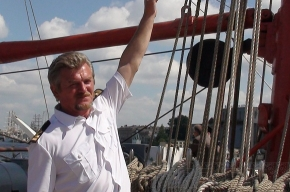 Регата: В Польше паруса «Седова» сожгли «китайским фонариком»
