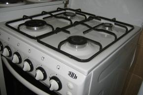 В Калининском районе льготники могут поменять старую плиту на новую