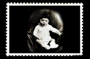 Марка с изображением маленького Гитлера выпущена в Эстонии