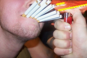 В Турции больше нельзя курить в ресторанах, барах и кафе