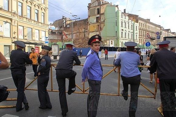 Вчера за порядком в городе следили более 3000 сотрудников милиции: Фото