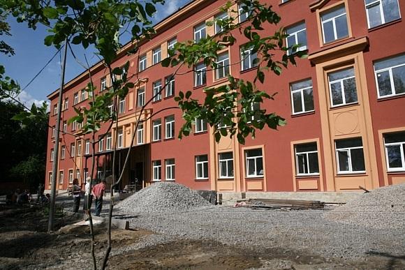 В Московском районе ремонтируют школы: Фото