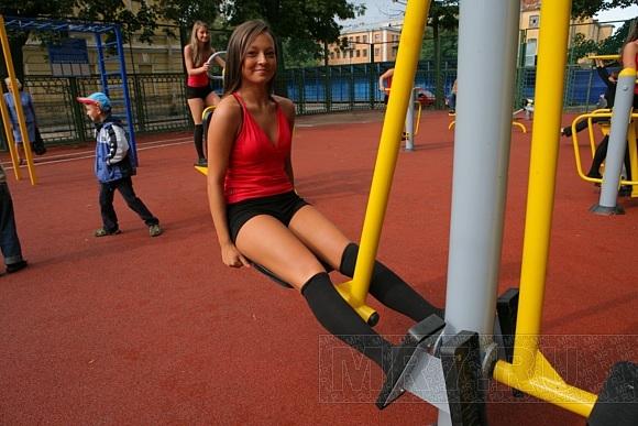 В Петербурге открылась площадка с уличными тренажерами: Фото